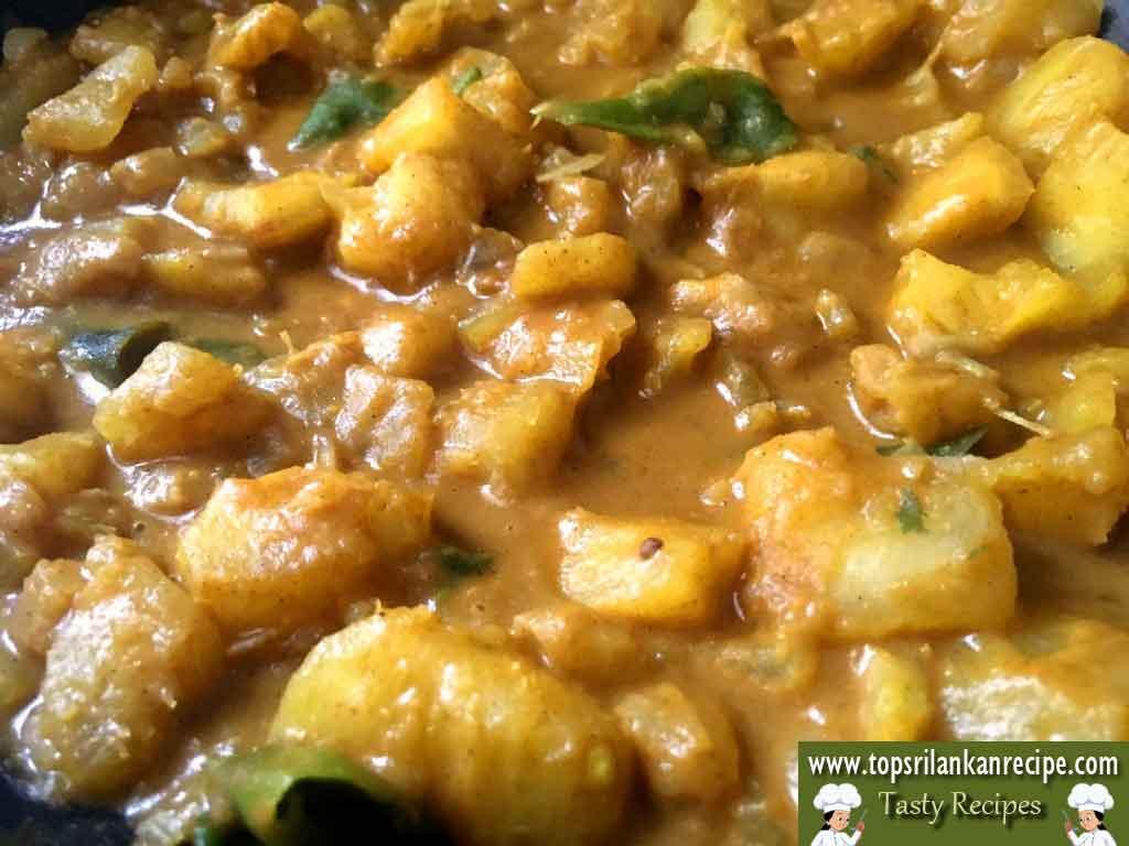 How To Make Tapioca Curry Spicy (Cassava/Manioc/Maravalli Kizhangu)
